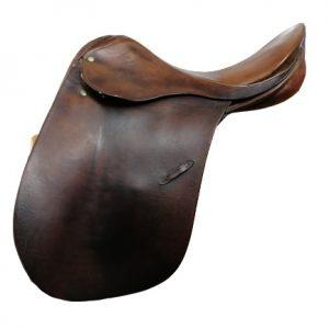 Waldhausen Show Saddle 18 Inch