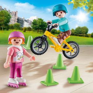 Playmobil – Children with Skates and Bike